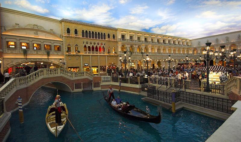 durch das Venetian